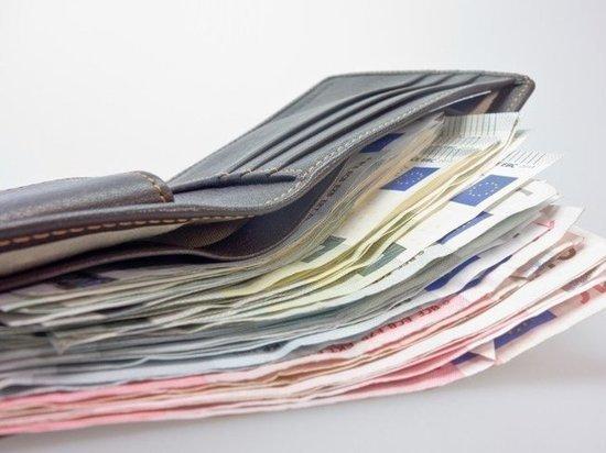 В ЯНАО 159 человек получают зарплату свыше 1 млн рублей