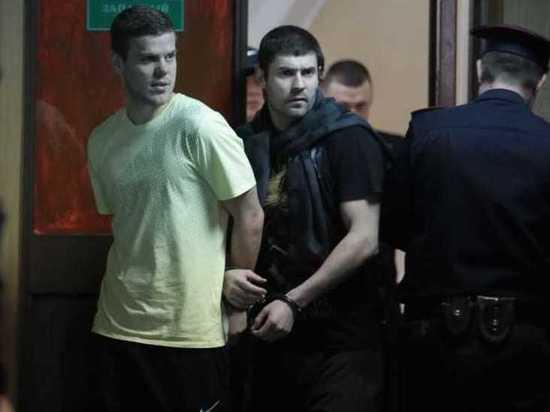 Футболисты Кокорин и Мамаев будут получать в колонии по 11200 рублей