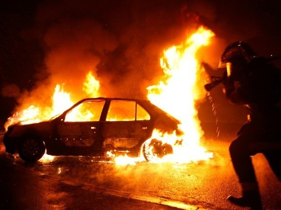 В Полесске ночью сгорел автомобиль