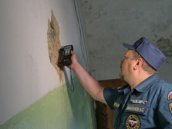 В Смоленске проводят обследование дома с обрушившимся перекрытием