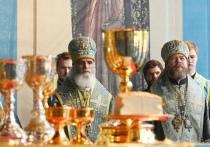 Митрополит Тихон Шевкунов сослужил патриарху Кириллу в Торжке