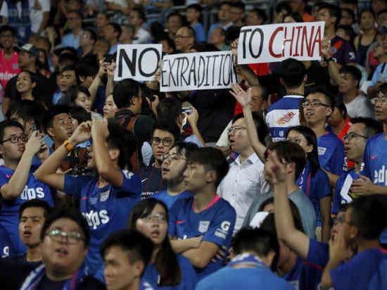 Китай подталкивают к силовому вмешательству в Гонконге