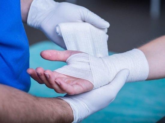 В Багратионовском интернате для инвалидов 95-летней постоялице сломали пальцы