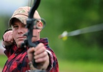 Госдума РФ приняла закон, разрешающий в России охоту на зверей с луком и стрелами