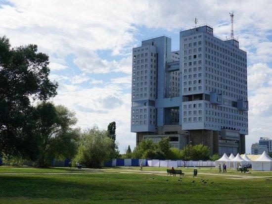 Правительство области выкупило Дом Советов за 395 млн рублей