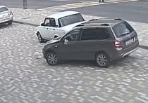Воронежские полицейские нашли водителя, задавившего кота на парковке