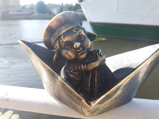 В Калининграде на набережной Музея Мирового океана установили хомлина