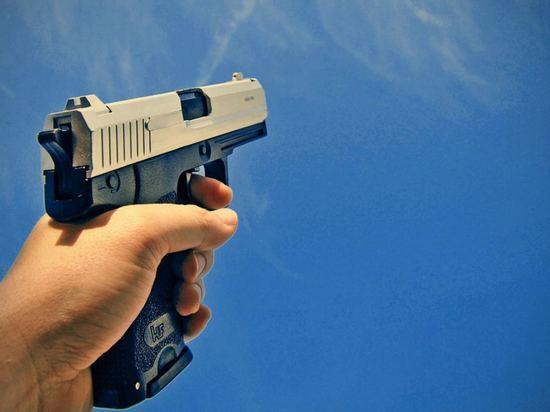 В Саранске мужчина открыл стрельбу по двум школьникам