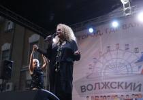 Народная артистка РФ Лариса Долина поздравила волжан с Днем города