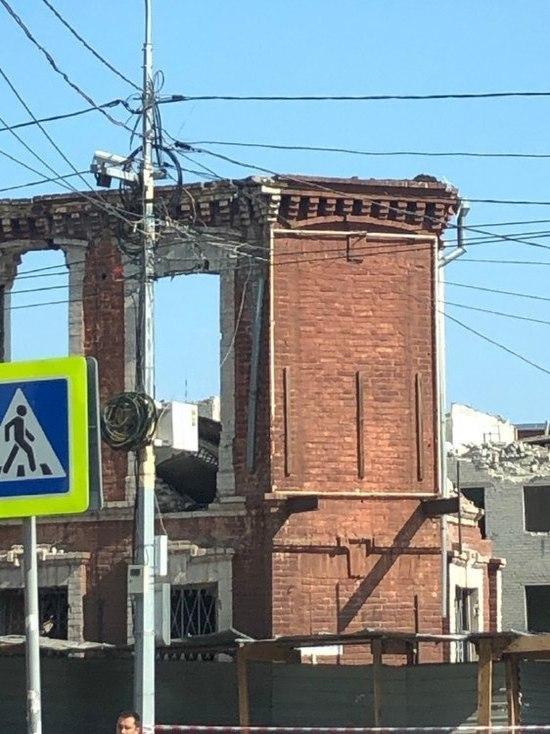 Осталась последняя стенка: усадьбу купца Михайлова почти снесли в Барнауле