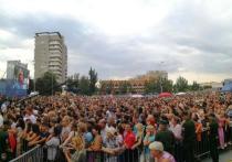 Тысячи волжан собрались в ожидании концерта Димы Билана