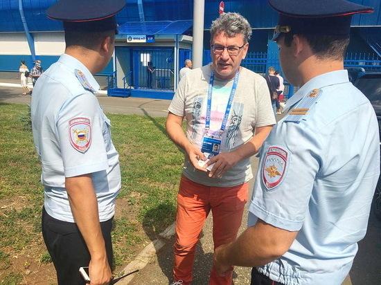 На  матче «Оренбург» - «Зенит»  было около 6500 болельщиков