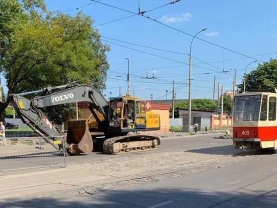 «Срамота»: Антон Алиханов раскритиковал ремонт дороги на Киевской