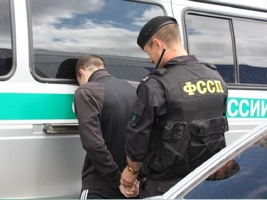 За долги перед детьми безработного отца арестовали на 10 суток