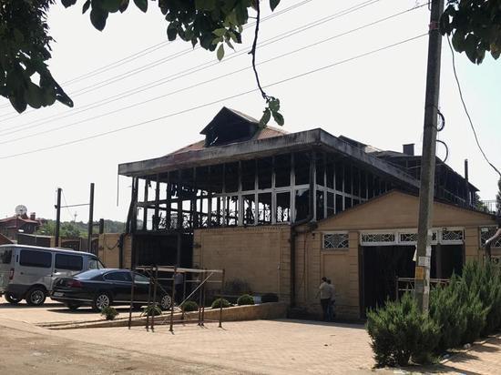 Поджог мог стать причиной пожара в цеху по пошиву шуб в Пятигорске