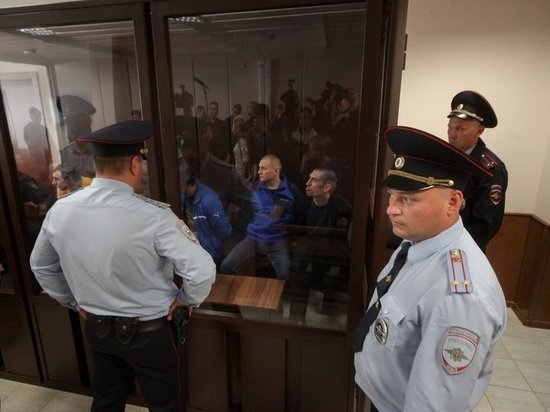Убийц «банды Емели» осудили на пожизненный срок: приговор выслушали смиренно