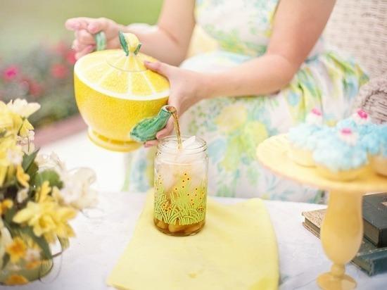 Названы напитки, которые помогут снизить давление