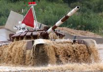 Российская команда в танковом биатлоне будет выступать на красных машинах