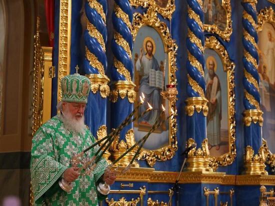 Патриарх Кирилл освятил Успенский собор в Сарове
