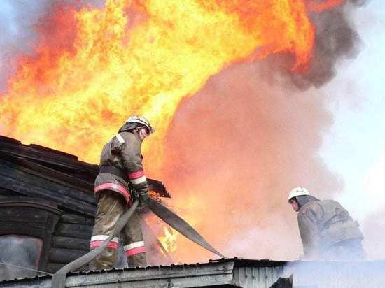 В ночном пожаре в Ивановской области сгорел большой частный дом