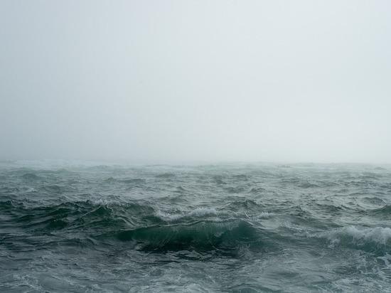 На поиски десяти пропавших туристов в Белом море вылетел вертолёт