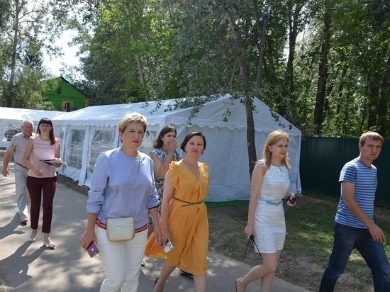 Городские депутаты побывали в двух палаточных лагерях