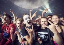 Главные звезды явления под названием «новая немецкая тяжесть», эксперты по культурным провокациям, а также группа, которая после концерта в Минске в 2010 году названа «угрозой белорусской государственности»… С таким резюме грех сидеть без дела, и с конца мая Rammstein осчастливил в Европе почти миллион своих поклонников