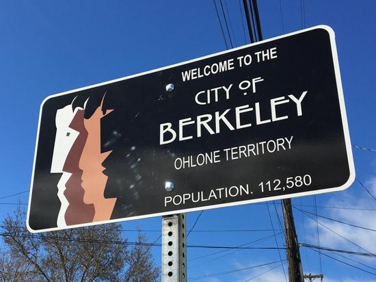 Горсовет Беркли принял решение исключить из документации слова имеющие «половые признаки»