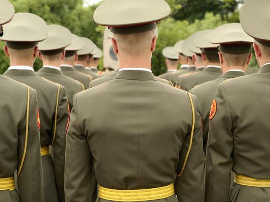 Родители лейтенанта получили срок за желание отправить сына в армию