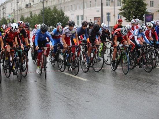 Победителями екатеринбургской велогонки
