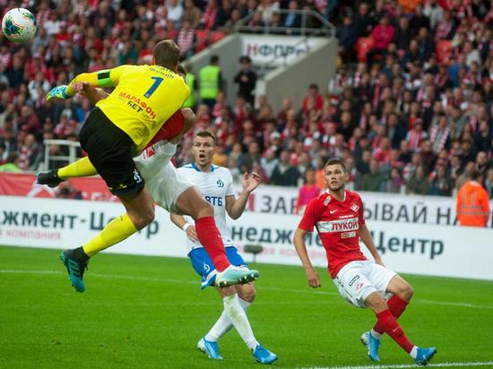 Алена Шишкова изменяет Тимати с футболистом Антоном Шуниным | 412x550