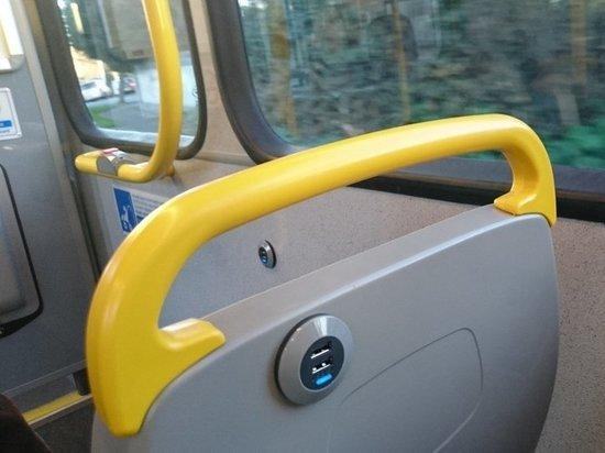 До конца августа в Челябинске появятся автобусы с USB-зарядками и кондиционерами