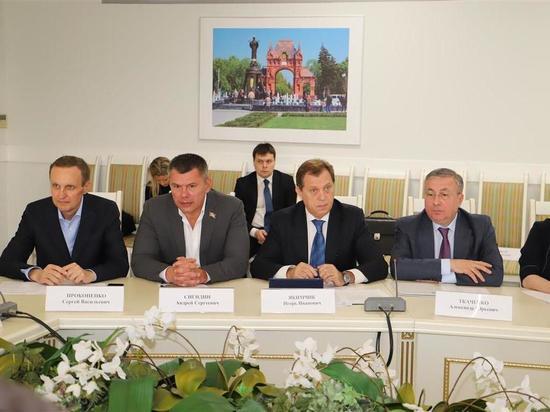 Комитет ЗСК по промышленности отчитался об итогах парламентского года