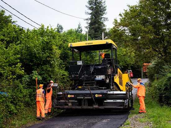 Сочинцам предлагают выбрать, какие дороги ремонтировать в рамках нацпроектов