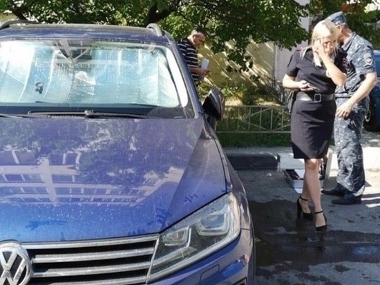 В центре Геленджика взорвали машину местного бизнесмена