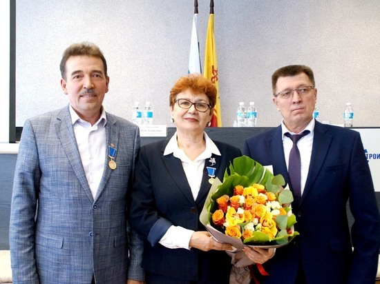 В Чебоксарах тракторостроителей наградили медалями