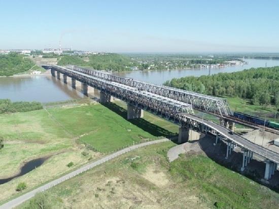 Перекрытие старого моста в Барнауле продлили до конца лета