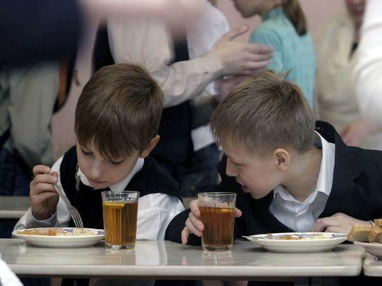 В Челябинской области уделят особое внимание питанию школьников
