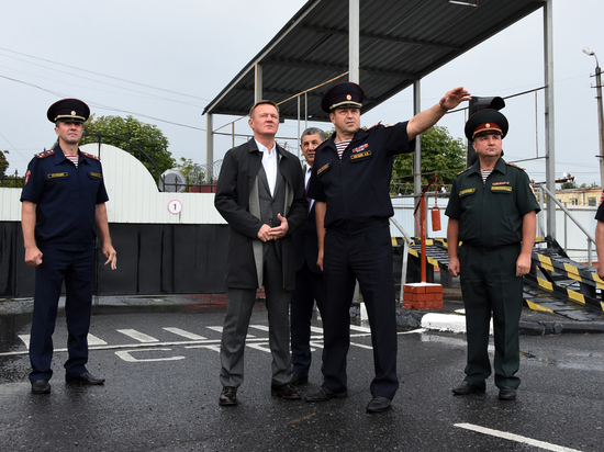 Врио курского губернатора посетил территориальное управление Росгвардии