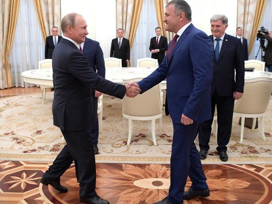 Бибилов объявил онеобходимости Южной Осетии войти всостав Российской Федерации