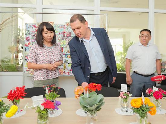 Встреча на клумбе: превращать Улан-Удэ в «город-сад» будут специалисты БГСХА