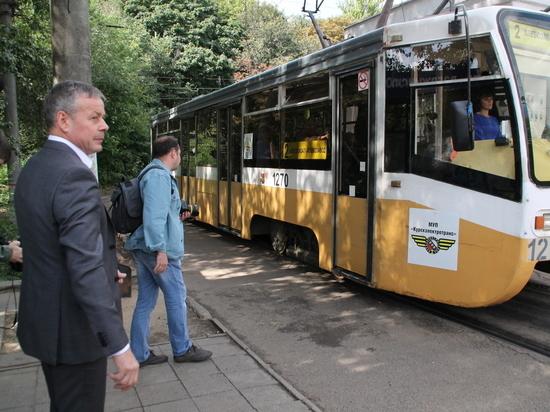 Мэр Курска протестировал оплату по безналу в городском транспорте