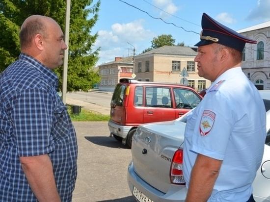 Мобильный пункт госуслуг ГИБДД побывал в Ельнинском районе