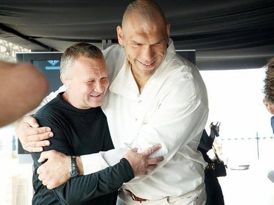 Тренер Валуева-младшего умер в аварии в Петербурге