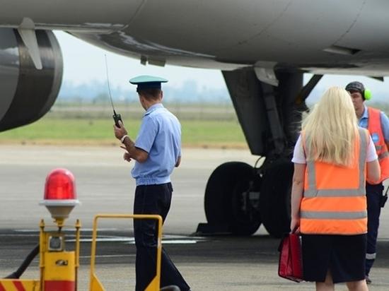 Пассажиры рейса «Симферополь – Петербург» пожаловались на извращенца на борту