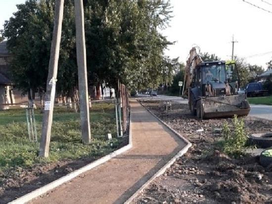 В Краснодаре построят 33 новых тротуара
