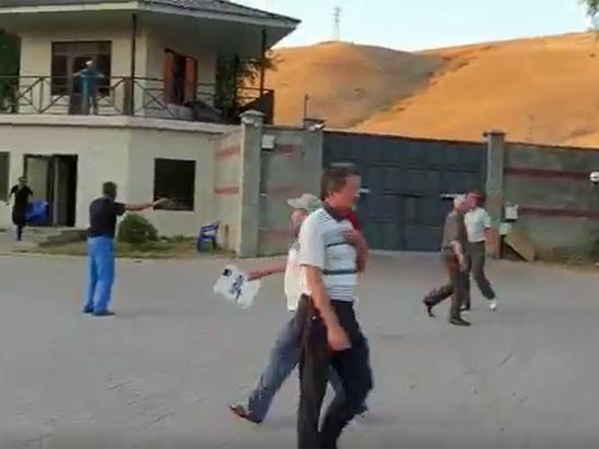 Во время задержания Атамбаева ранены несколько его сторонников