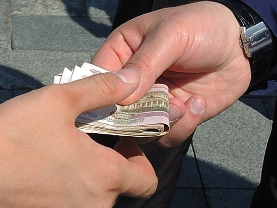 Росстат зафиксировал рост количества взяток по стране