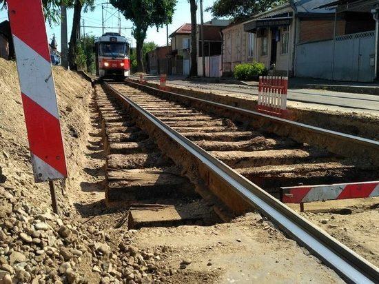 Трамваи в Краснодаре пустят в обход  Дмитриевской Дамбы из-за ремонта путей