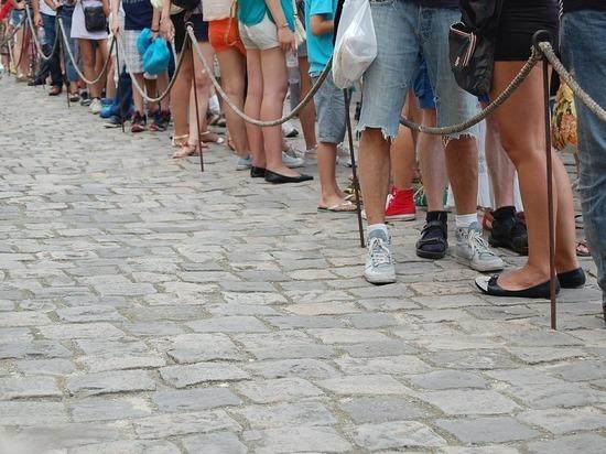 В МИД Финляндии восхитились поведением русских в очередях за визами